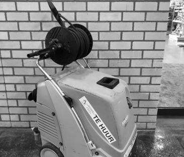 Hogedrukreiniger 135 bar warm water 230v / Diesel
