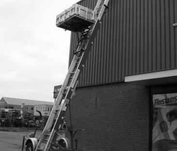 Pannen / ladderlift max. 16 meter aanhanger